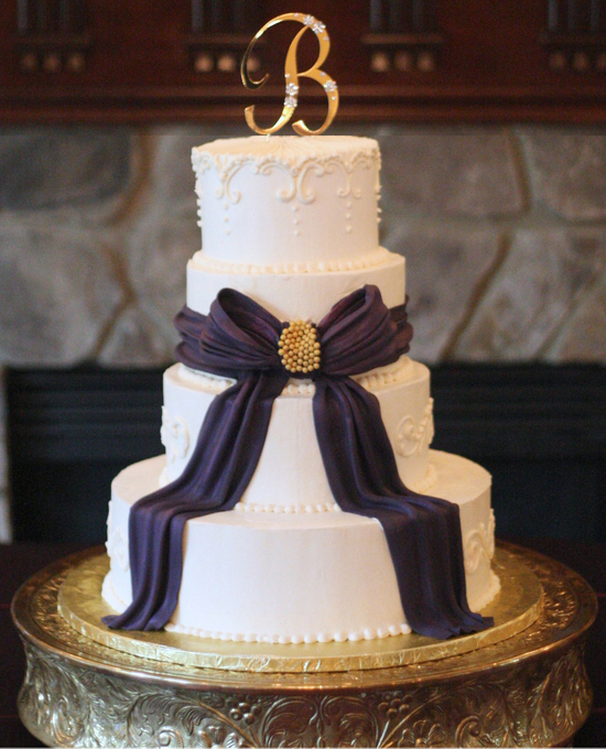 Welcome Unforgettable Wedding Cake